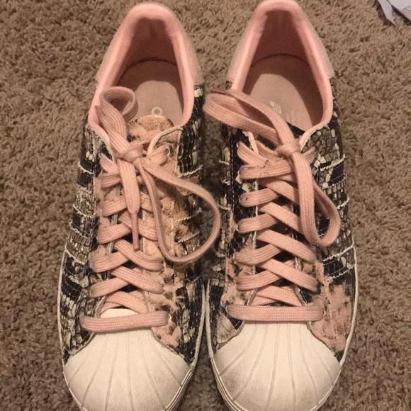 baefa6a97e9 Women's Adidas tennis shoes size 7 1/2